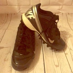 Boys Nike cleats. Size 13Y